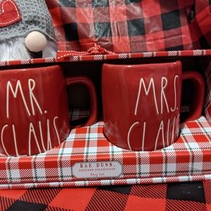 Rae Dunn Christmas Mr. Claus and Mrs Claus Mug Set